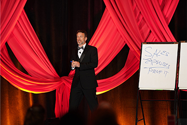 successful lawyer presenting at the law firm 500 event